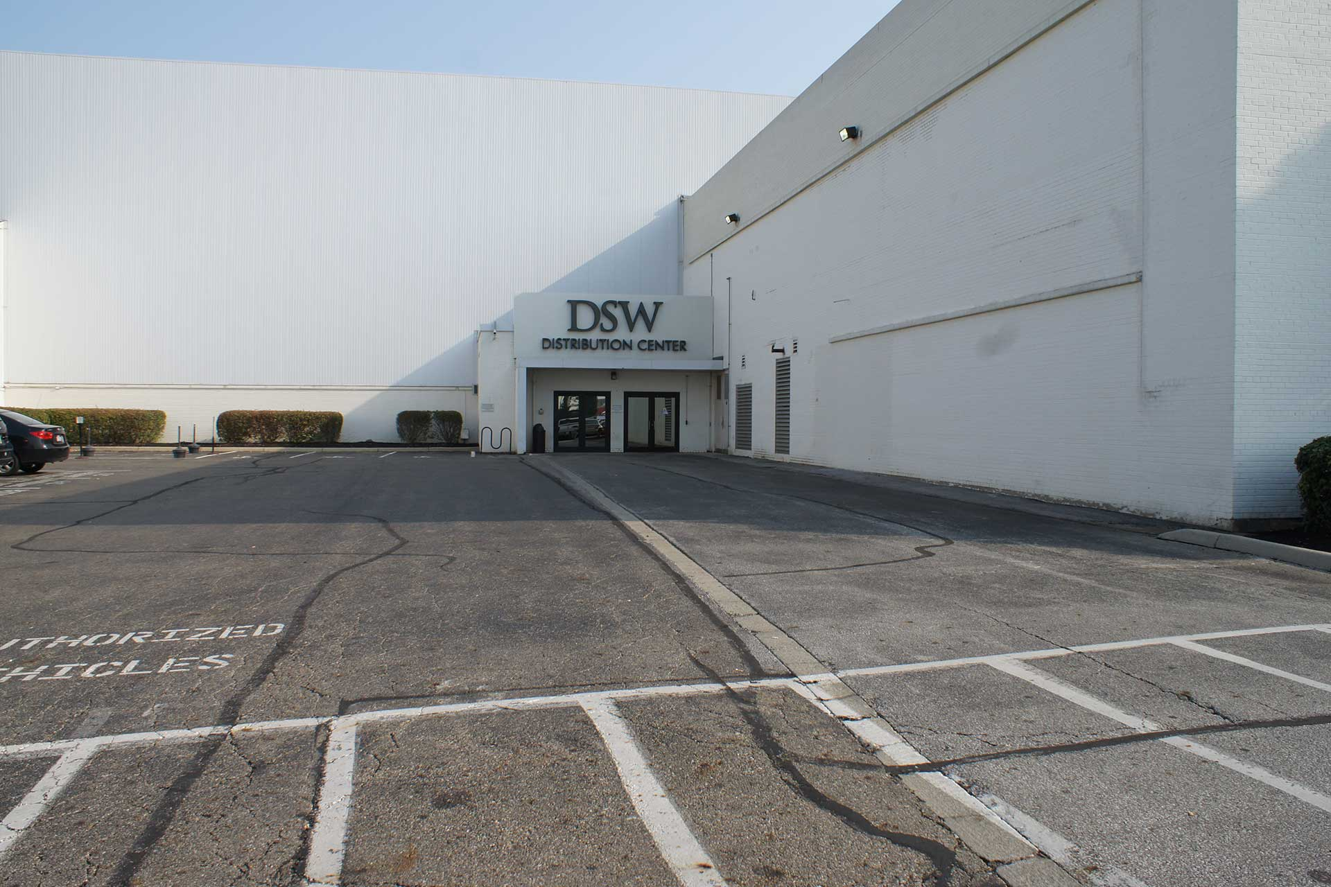 Dsw Warehouse And Distribution Center Kalkreuth Roofing And Sheet Metal